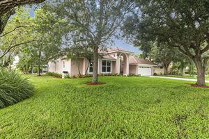 Photo of 2 Old Fence Road, Palm Beach Gardens, FL 33418 (MLS # RX-10562091)