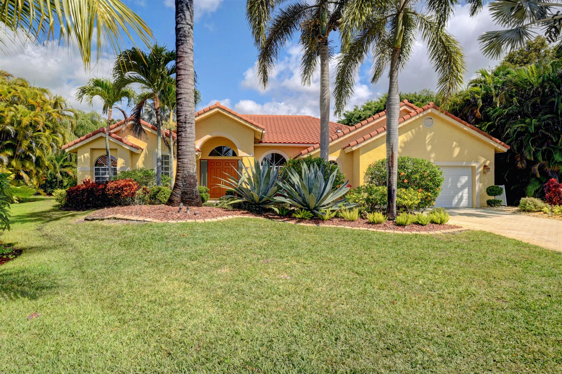 Photo of 8017 Desmond Drive, Boynton Beach, FL 33472 (MLS # RX-10613097)