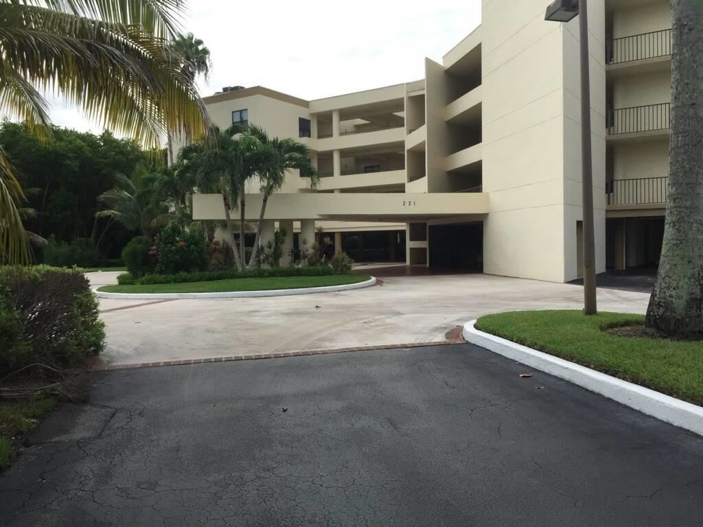 221 NE Plantation Road #216, Stuart, FL 34996 - #: RX-10683100