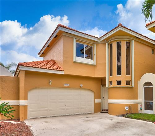 Photo of 11273 Lakeview Drive #32-I, Coral Springs, FL 33071 (MLS # RX-10630101)