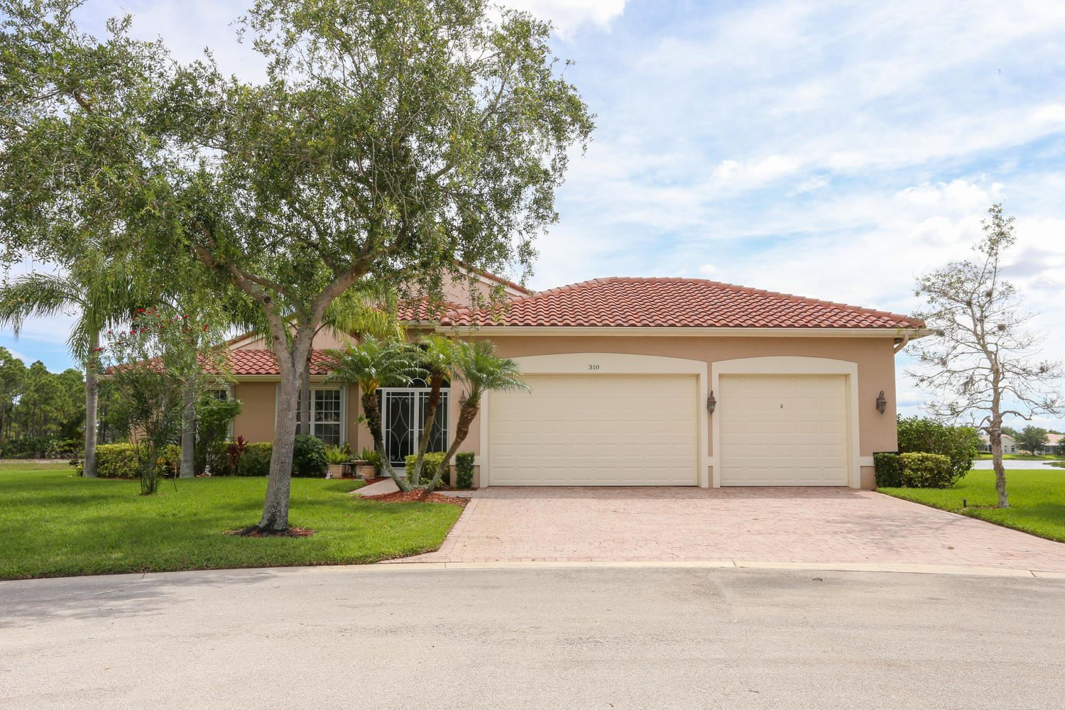 Photo of 310 NW Bayside Court, Port Saint Lucie, FL 34986 (MLS # RX-10619103)