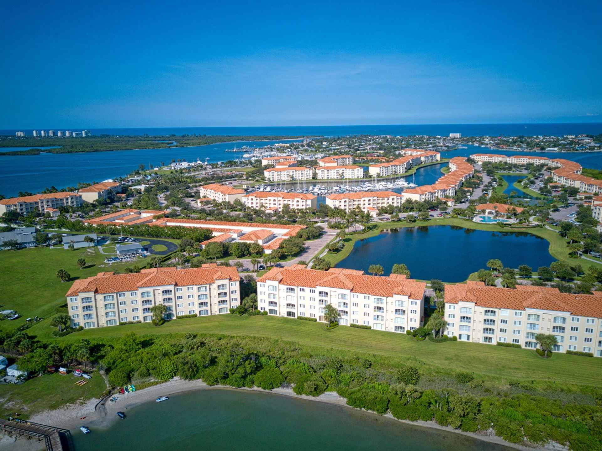 34 Harbour Isle Dr W #304, Fort Pierce, FL 34949 - #: RX-10653104