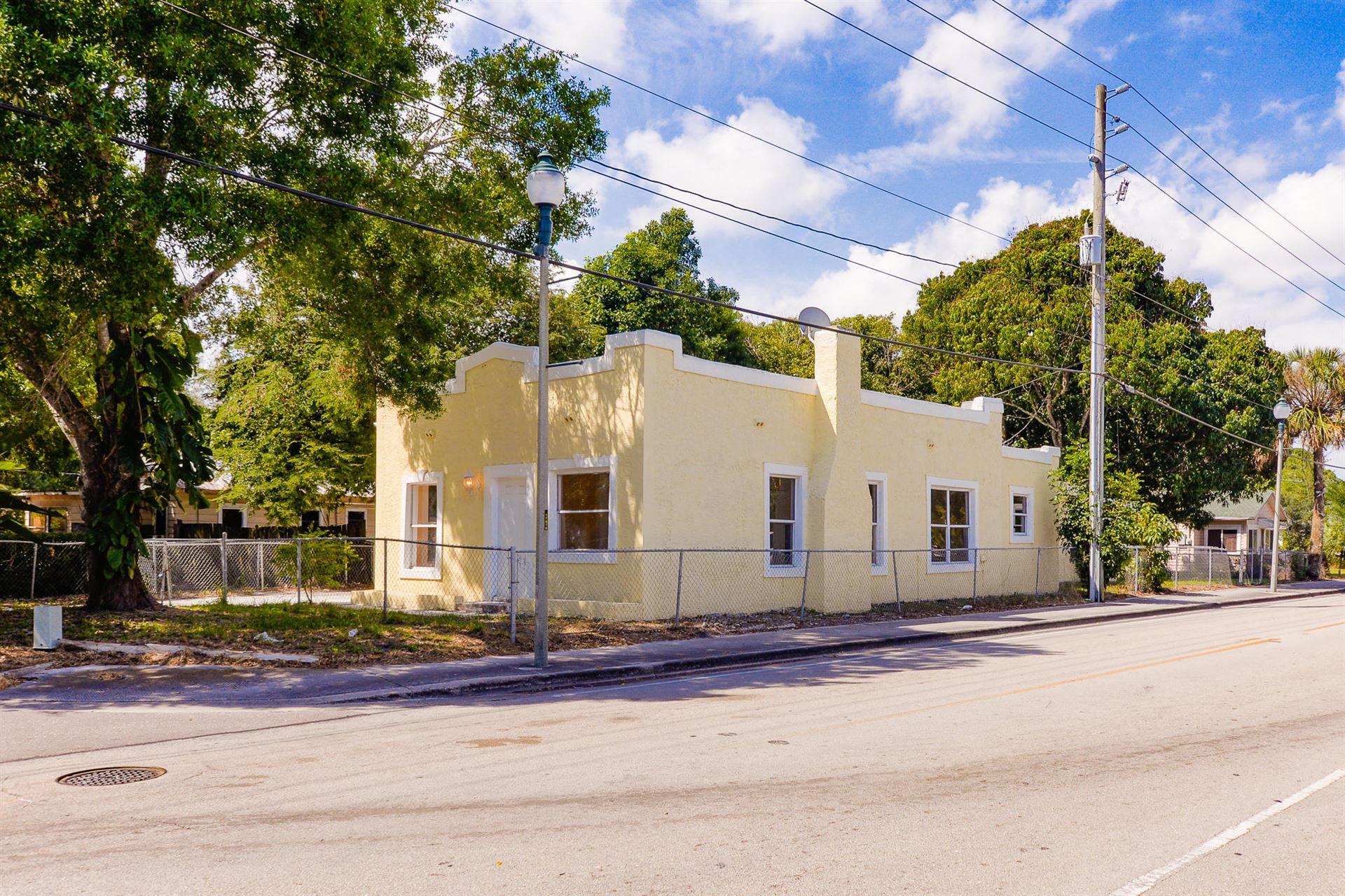 801 S 15th Street, Fort Pierce, FL 34950 - #: RX-10703104