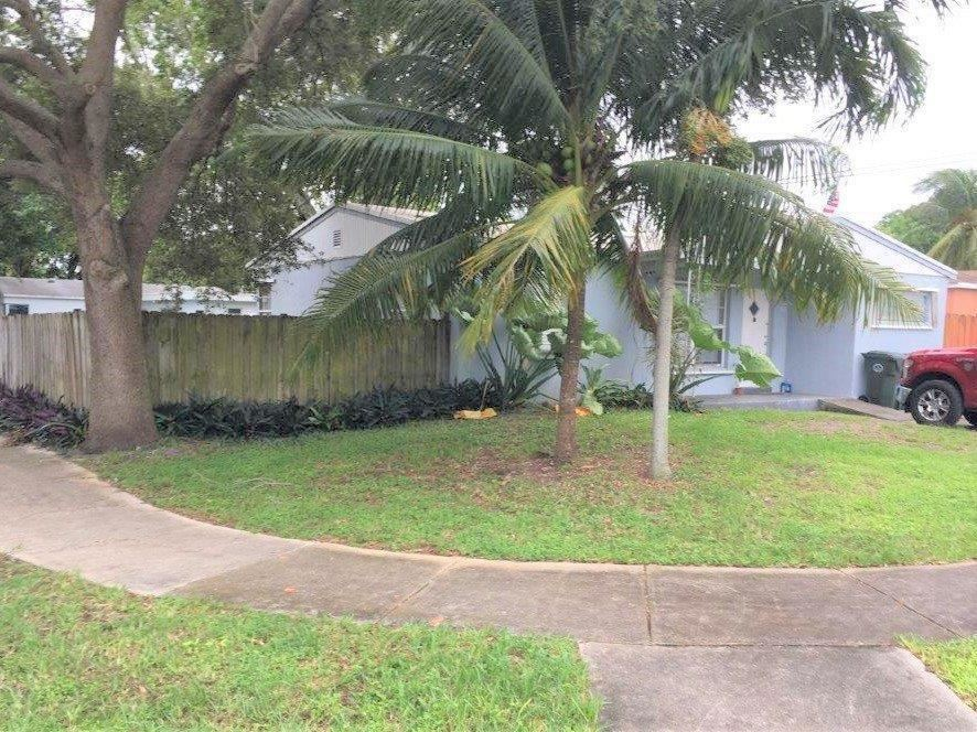 Photo of 100 NW 53rd Street, Oakland Park, FL 33309 (MLS # RX-10716107)