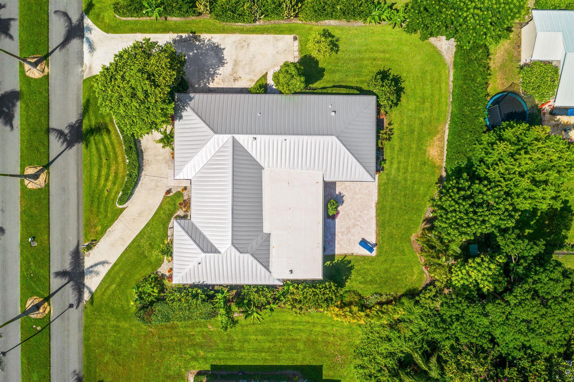Photo of 8591 SE Soundings Place, Hobe Sound, FL 33455 (MLS # RX-10745107)