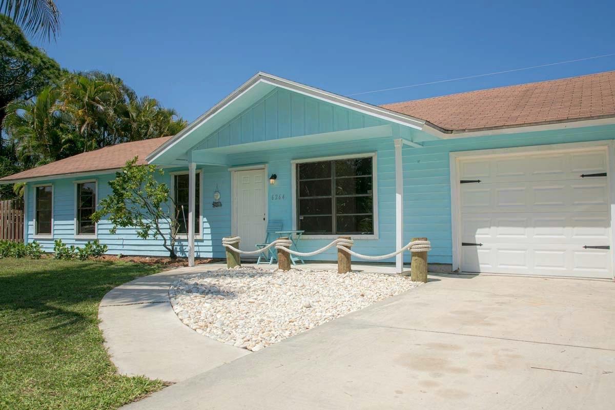 6264 SE Phillips Bend Avenue, Stuart, FL 34997 - #: RX-10621117