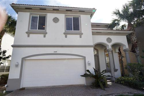Photo of 1009 Grove Park Circle, Boynton Beach, FL 33436 (MLS # RX-10754118)