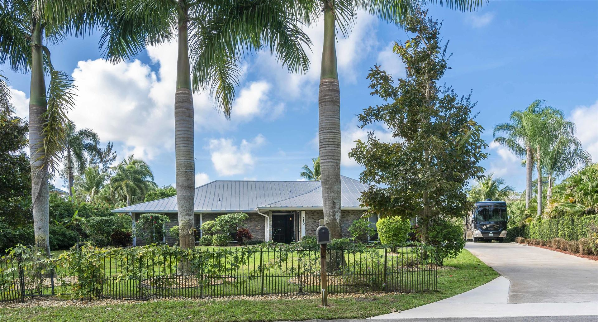 710 SW Bittern Street, Palm City, FL 34990 - #: RX-10601119