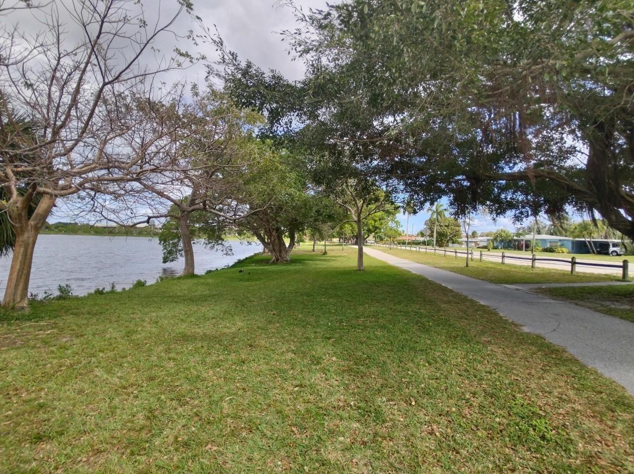 Photo of 2004 Lake Osborne Drive #19, Lake Worth Beach, FL 33461 (MLS # RX-10699119)