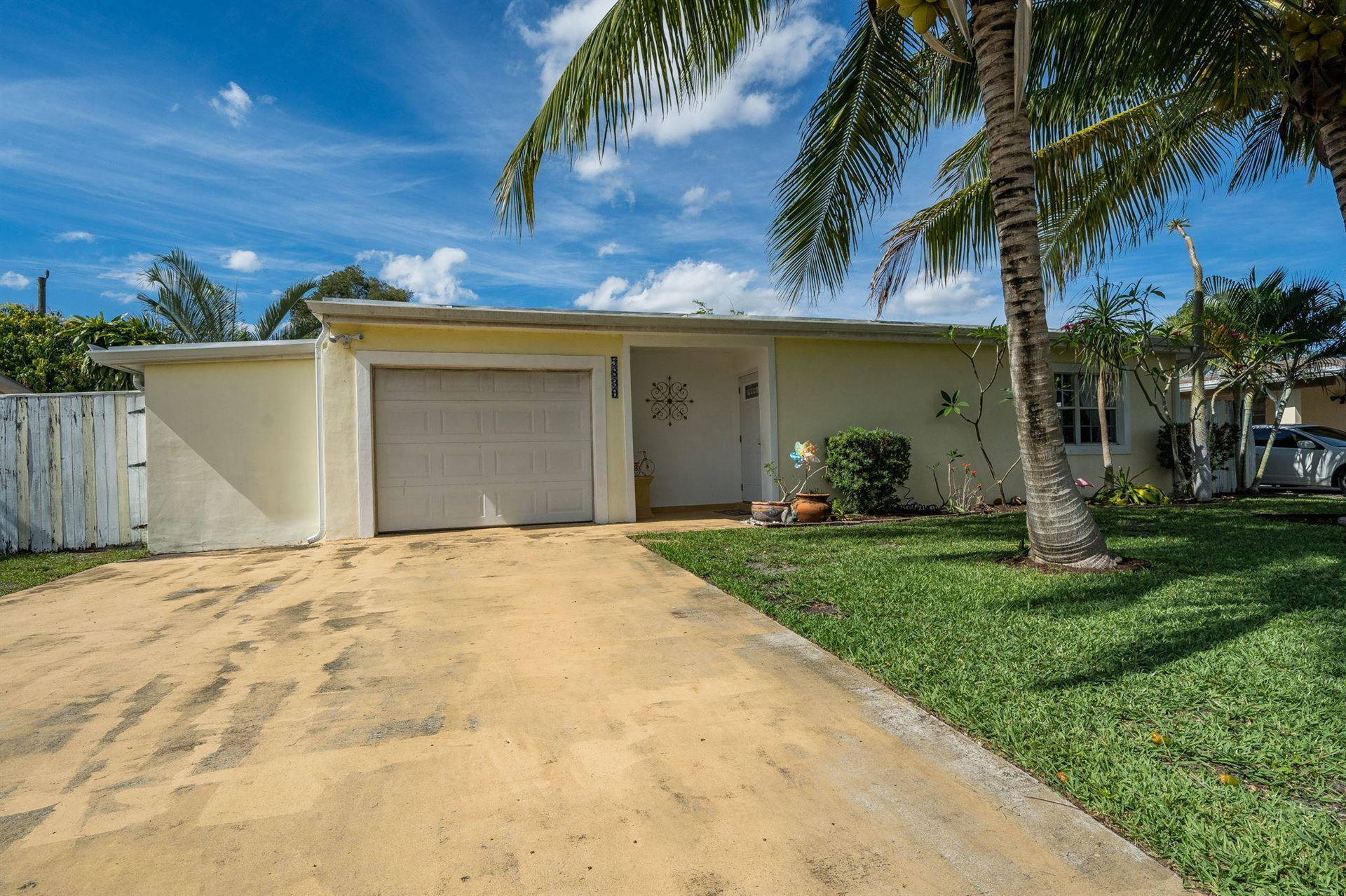 5839 Daphne Drive, West Palm Beach, FL 33415 - #: RX-10724120