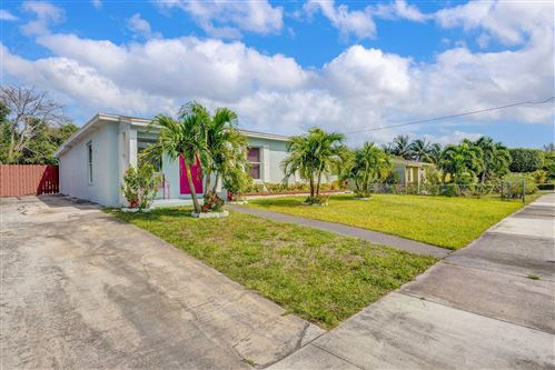 Photo of 1524 S 14th Avenue S, Lake Worth, FL 33460 (MLS # RX-10608124)