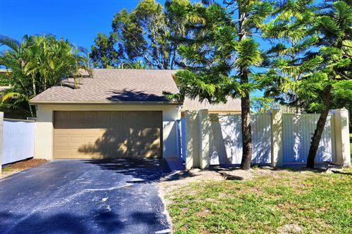 Photo of 292 Wood Dale Drive, Wellington, FL 33414 (MLS # RX-10600131)