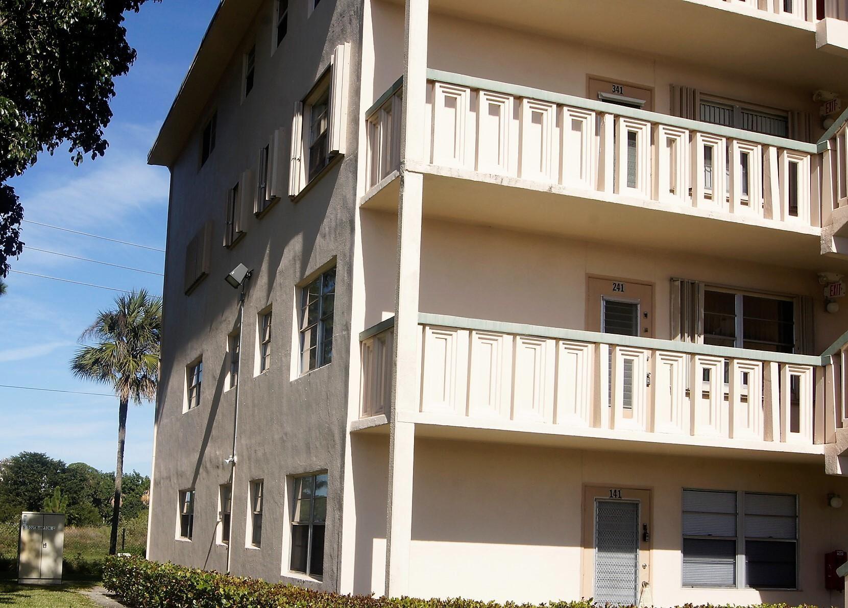 241 Southampton C, West Palm Beach, FL 33417 - #: RX-10574131