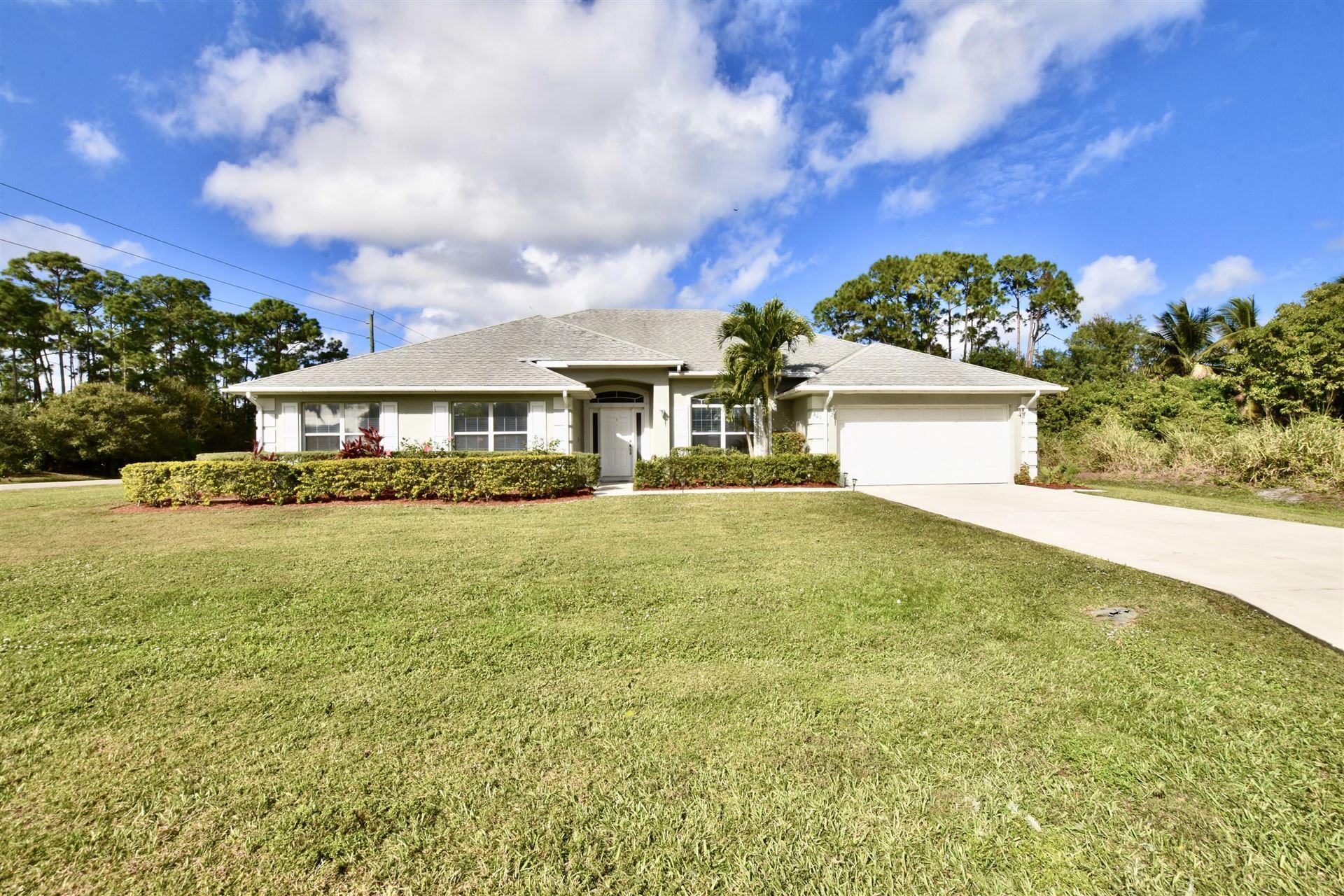 401 SE Volkerts Ter Terrace, Port Saint Lucie, FL 34953 - #: RX-10682132