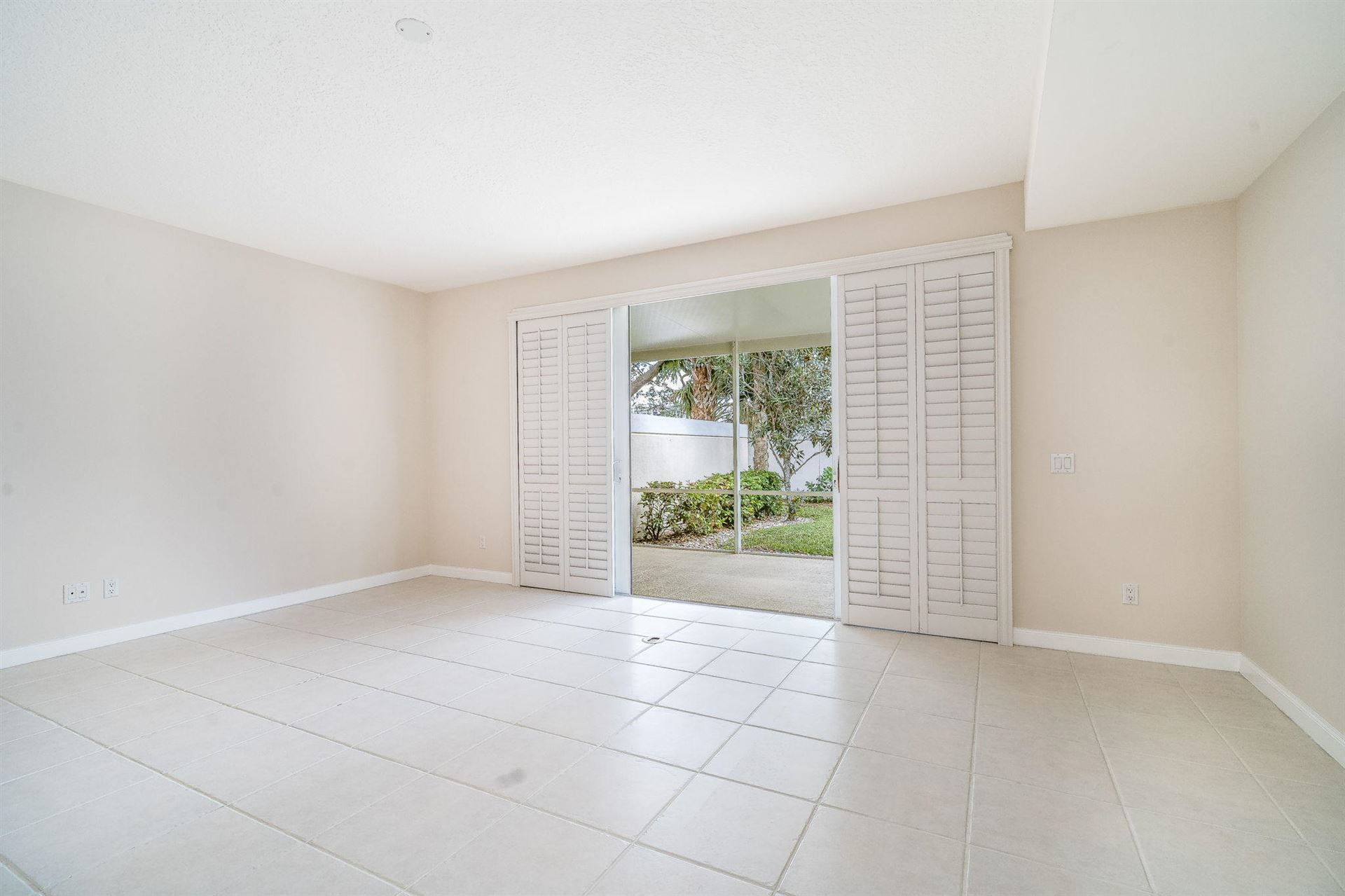 Photo of 180 Santa Barbara Way, Palm Beach Gardens, FL 33410 (MLS # RX-10686132)