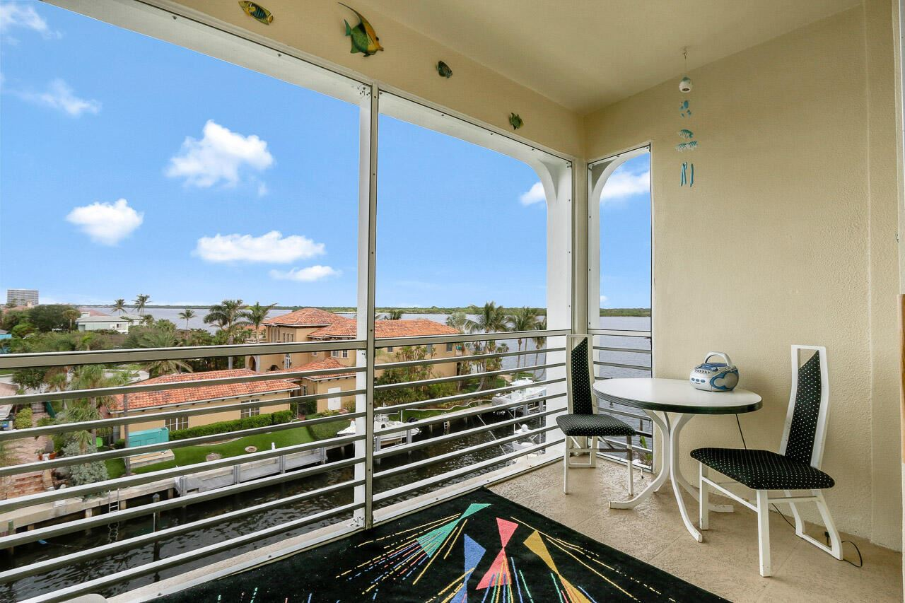 Photo of 105 Paradise Harbour Boulevard #511, North Palm Beach, FL 33408 (MLS # RX-10724135)