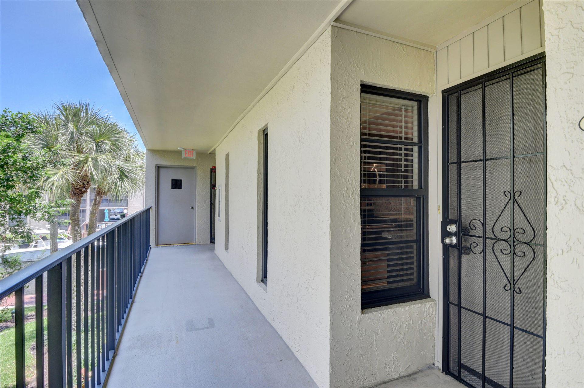 Photo of 18 Royal Palm Way #202, Boca Raton, FL 33432 (MLS # RX-10735138)