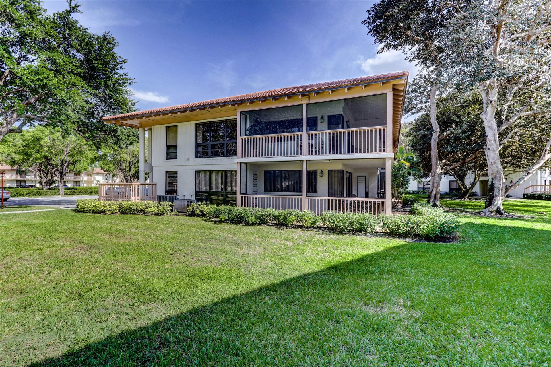 Photo of 130 Brackenwood Road, Palm Beach Gardens, FL 33418 (MLS # RX-10708140)