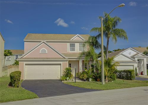 Photo of 63 King Fisher Way, Boynton Beach, FL 33436 (MLS # RX-10584141)