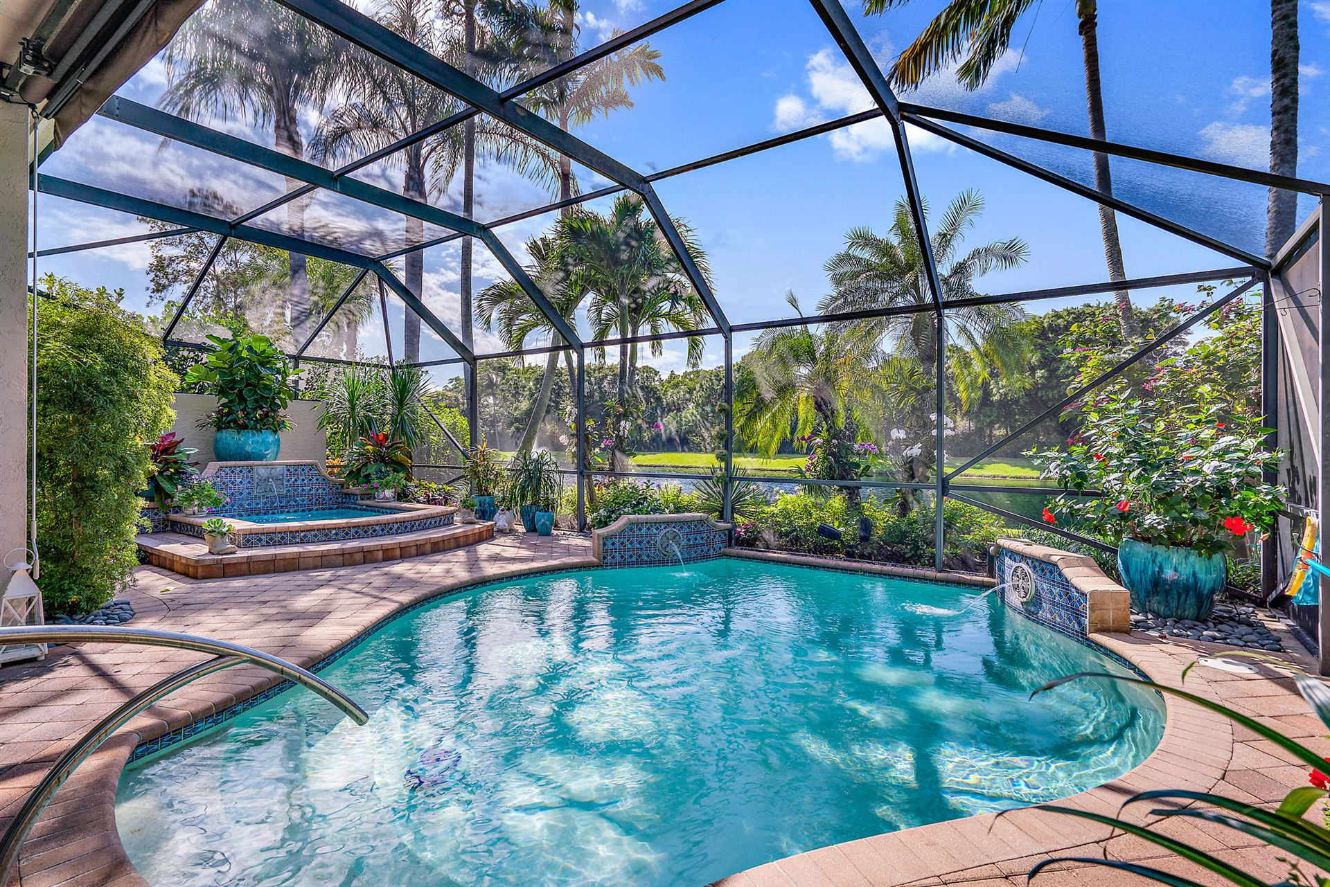 Photo of 38 Laguna Terrace, Palm Beach Gardens, FL 33418 (MLS # RX-10606141)