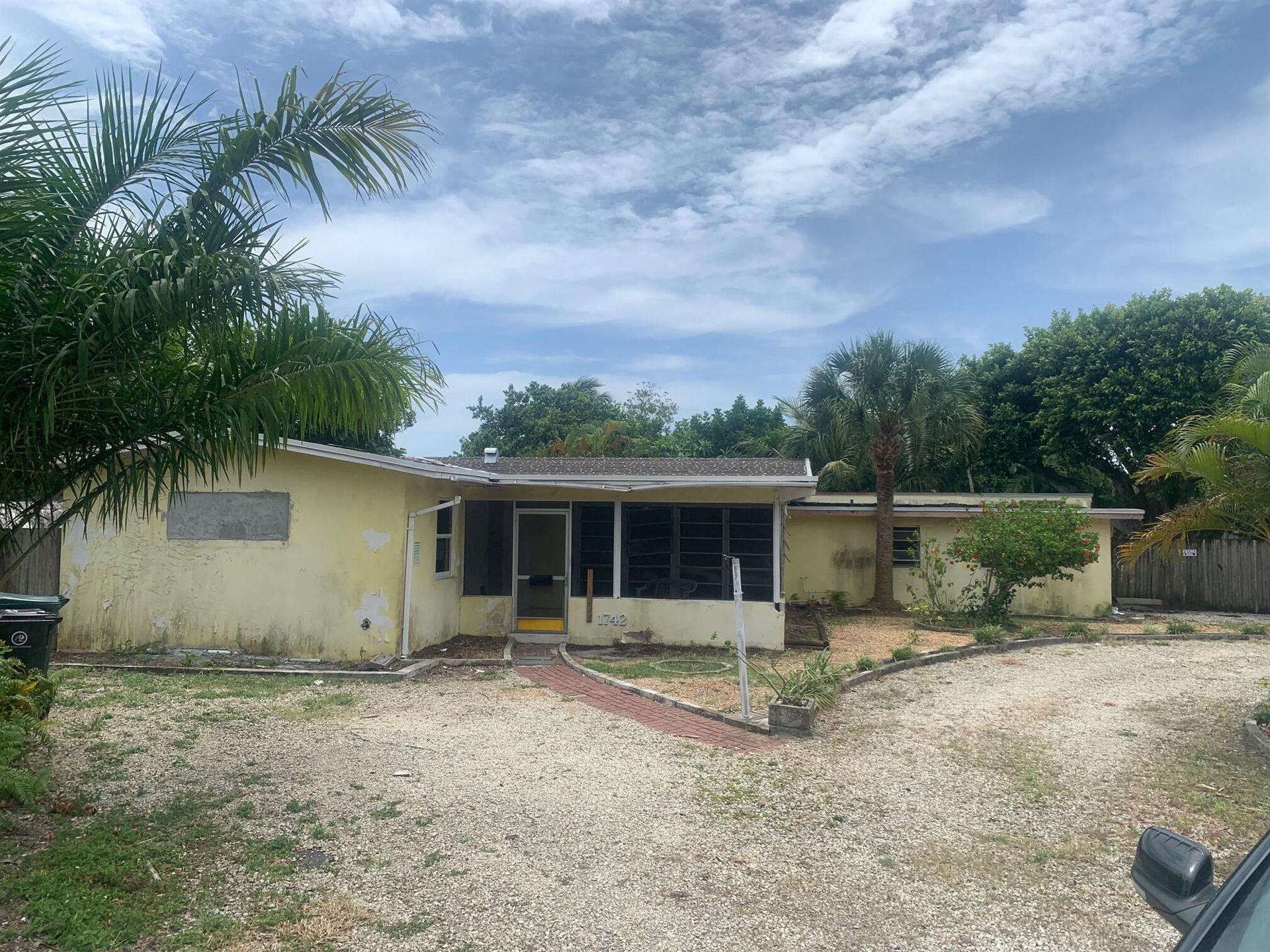 Photo of 1742 NE 7th Terrace, Fort Lauderdale, FL 33305 (MLS # RX-10742141)