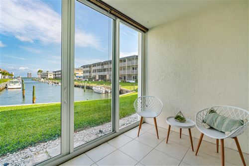 Foto de inmueble con direccion 236 Castlewood Drive #106 North Palm Beach FL 33408 con MLS RX-10606142