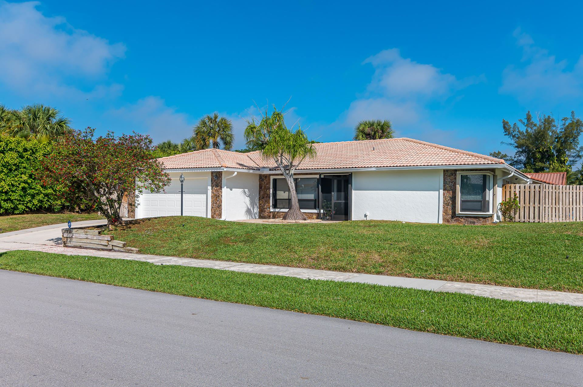 Photo of 1211 NW 15th Street, Boca Raton, FL 33486 (MLS # RX-10696143)