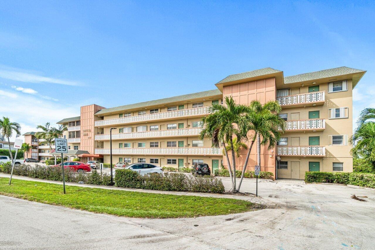 941 Crystal Lake Drive #409, Deerfield Beach, FL 33064 - MLS#: RX-10751148
