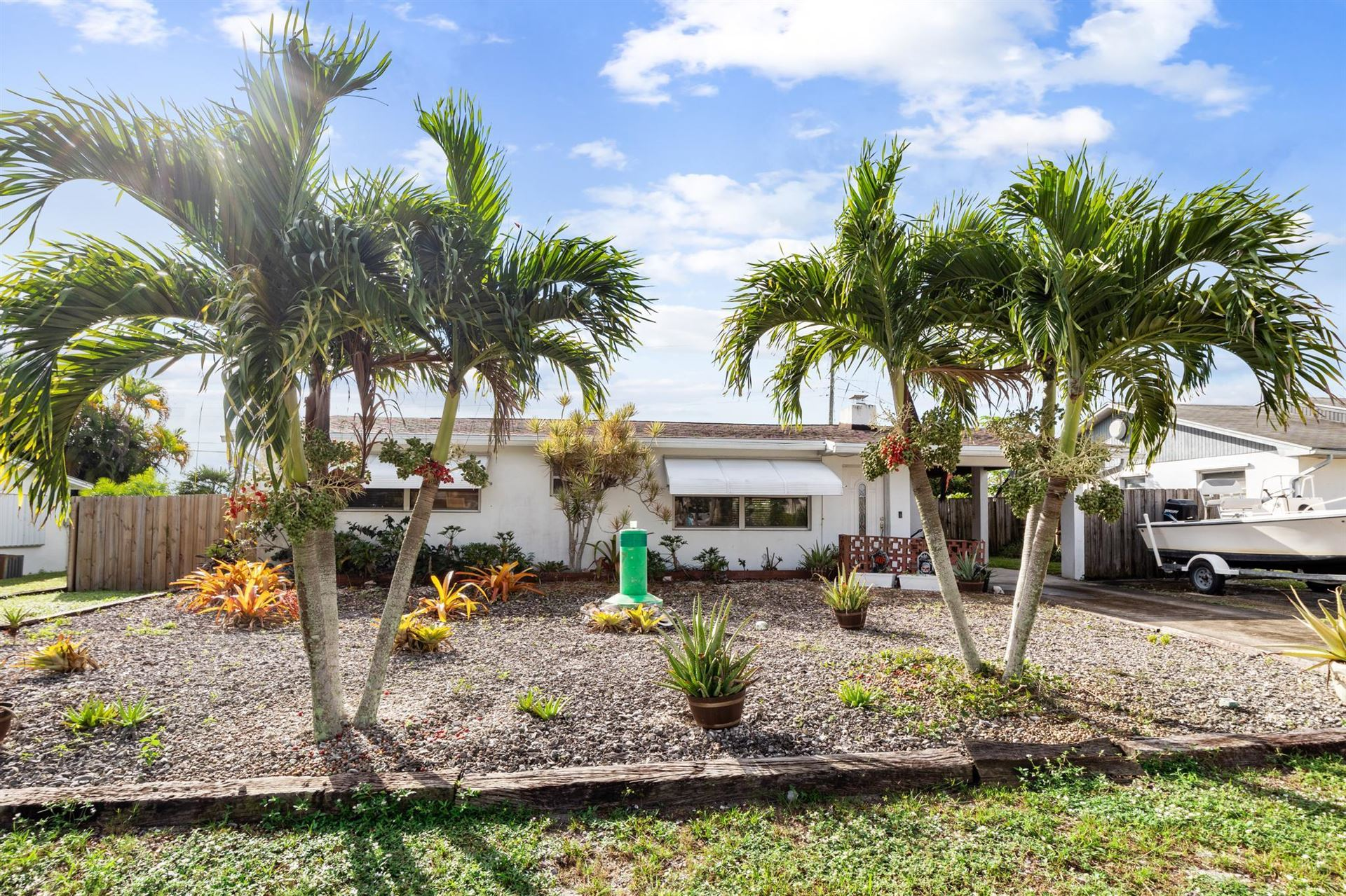 8267 SE Pine Circle, Hobe Sound, FL 33455 - MLS#: RX-10755148
