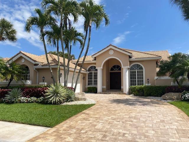 Photo of 48 Saint James Drive, Palm Beach Gardens, FL 33418 (MLS # RX-10701149)