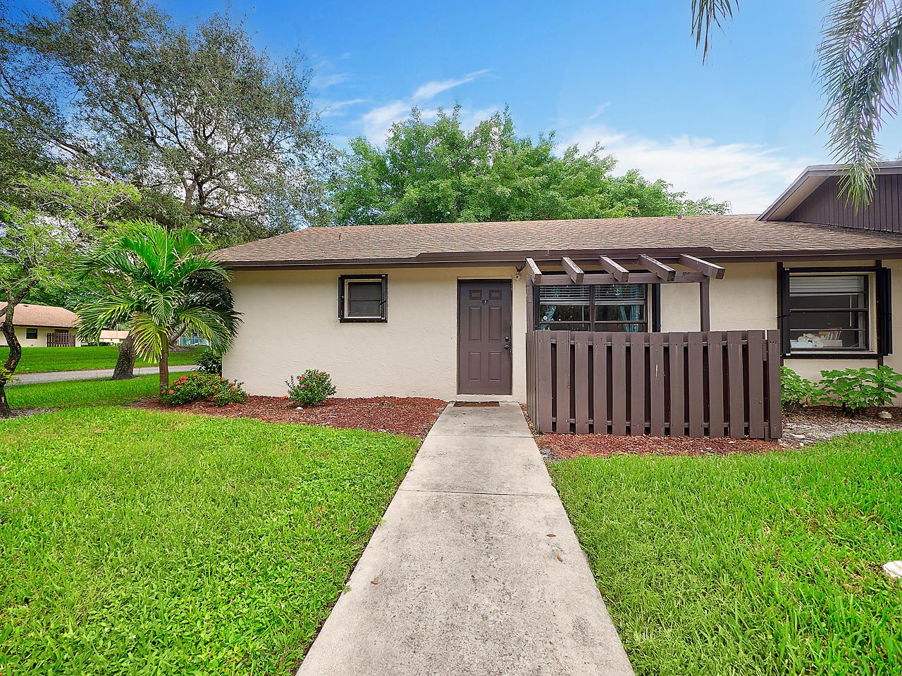 1 ViA De Casas Norte, Boynton Beach, FL 33426 - #: RX-10672150