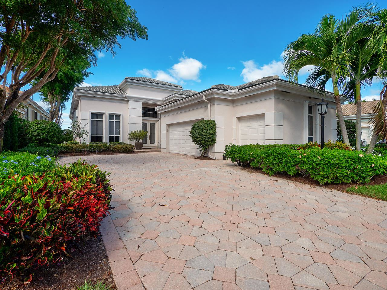 Photo of 281 Isle Way, Palm Beach Gardens, FL 33418 (MLS # RX-10589151)