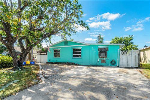 Photo of 204 5th Street, Jupiter, FL 33458 (MLS # RX-10613154)