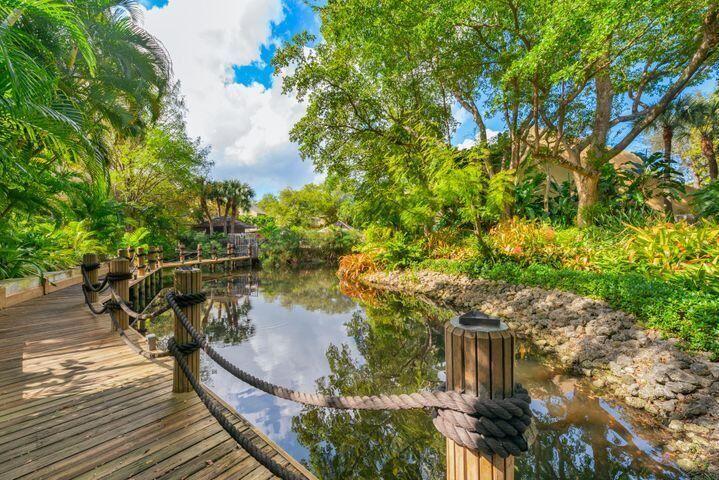 Photo of 738 St. Albans Drive, Boca Raton, FL 33486 (MLS # RX-10697156)