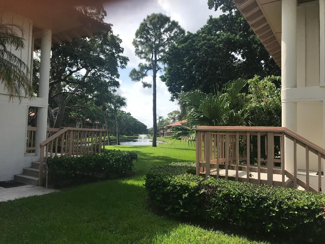 Photo of 634 Brackenwood Cove, Palm Beach Gardens, FL 33418 (MLS # RX-10636166)