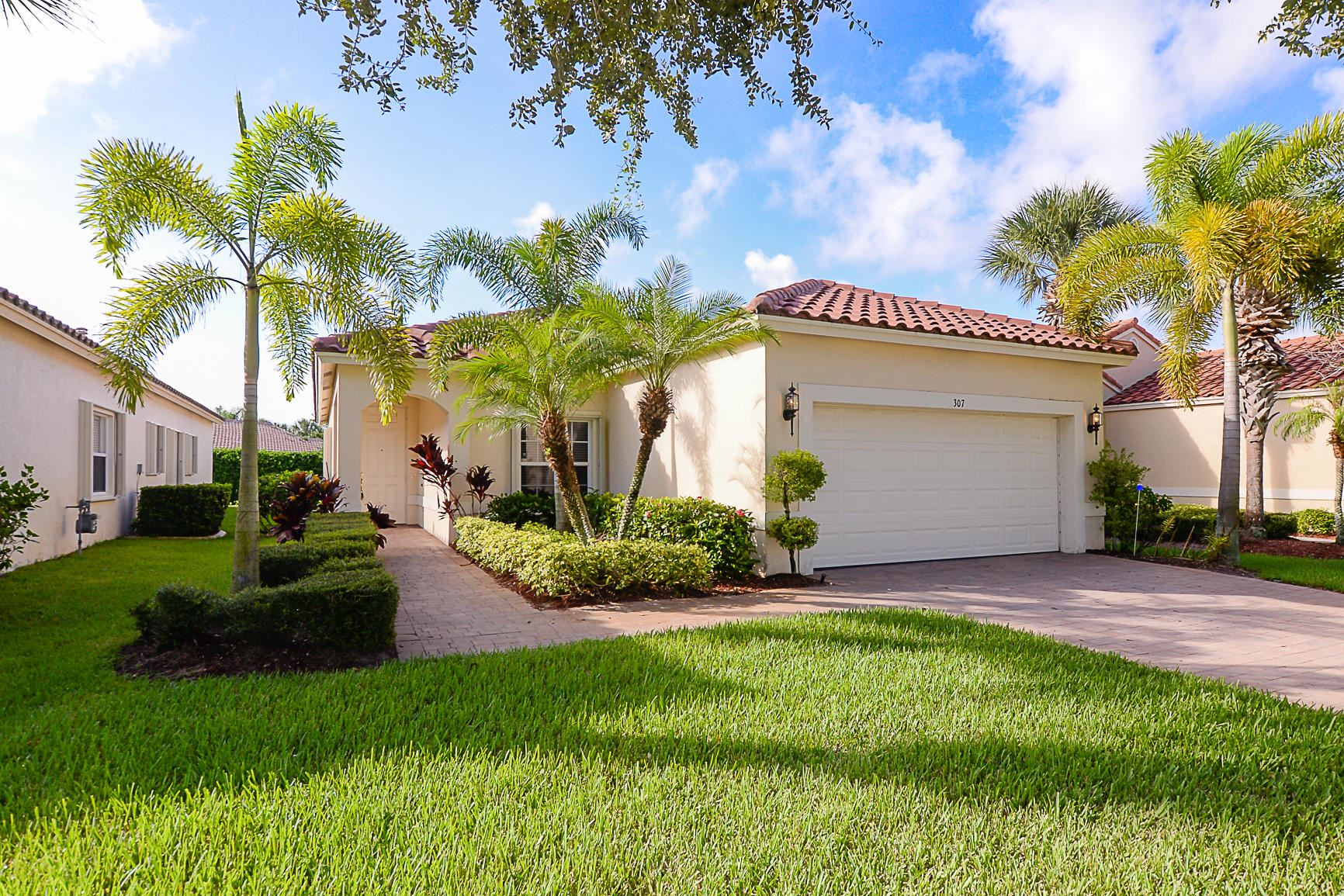 Photo of 307 NW Breezy Point Loop, Port Saint Lucie, FL 34986 (MLS # RX-10652170)