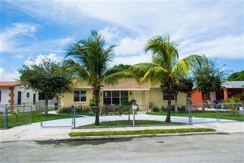 Foto de inmueble con direccion 721 Hillcrest Boulevard West Palm Beach FL 33405 con MLS RX-10649173