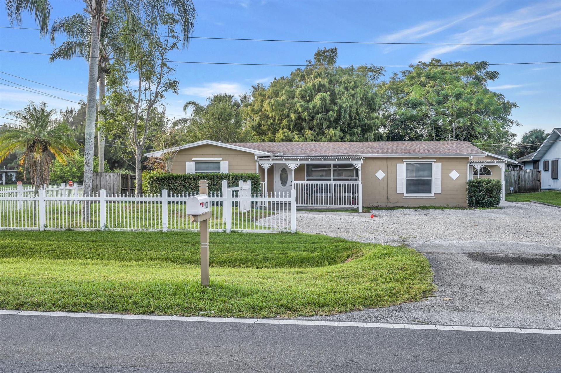 901 W Weatherbee W Road, Fort Pierce, FL 34982 - #: RX-10751174
