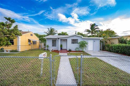 Foto de inmueble con direccion 424 El Vedado West Palm Beach FL 33405 con MLS RX-10664175