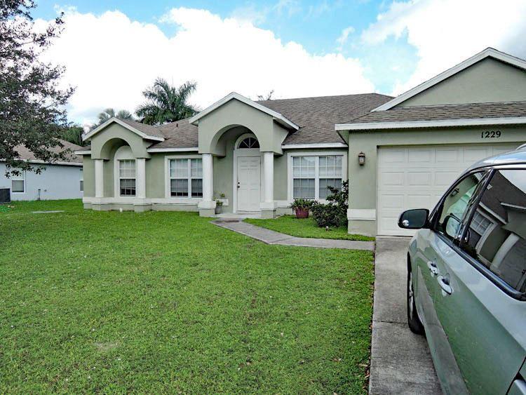 1229 SW Alcantarra Boulevard, Port Saint Lucie, FL 34953 - #: RX-10657176