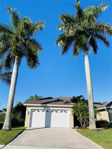 Photo of 12785 Tulipwood Circle, Boca Raton, FL 33428 (MLS # RX-10638177)