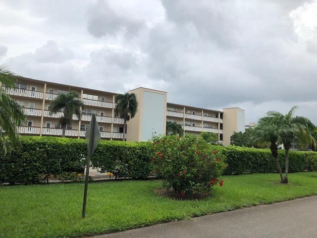 320 Southampton A #320, West Palm Beach, FL 33417 - #: RX-10652177