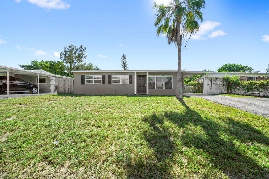 Photo of 3602 Everglades Road, Palm Beach Gardens, FL 33410 (MLS # RX-10752179)