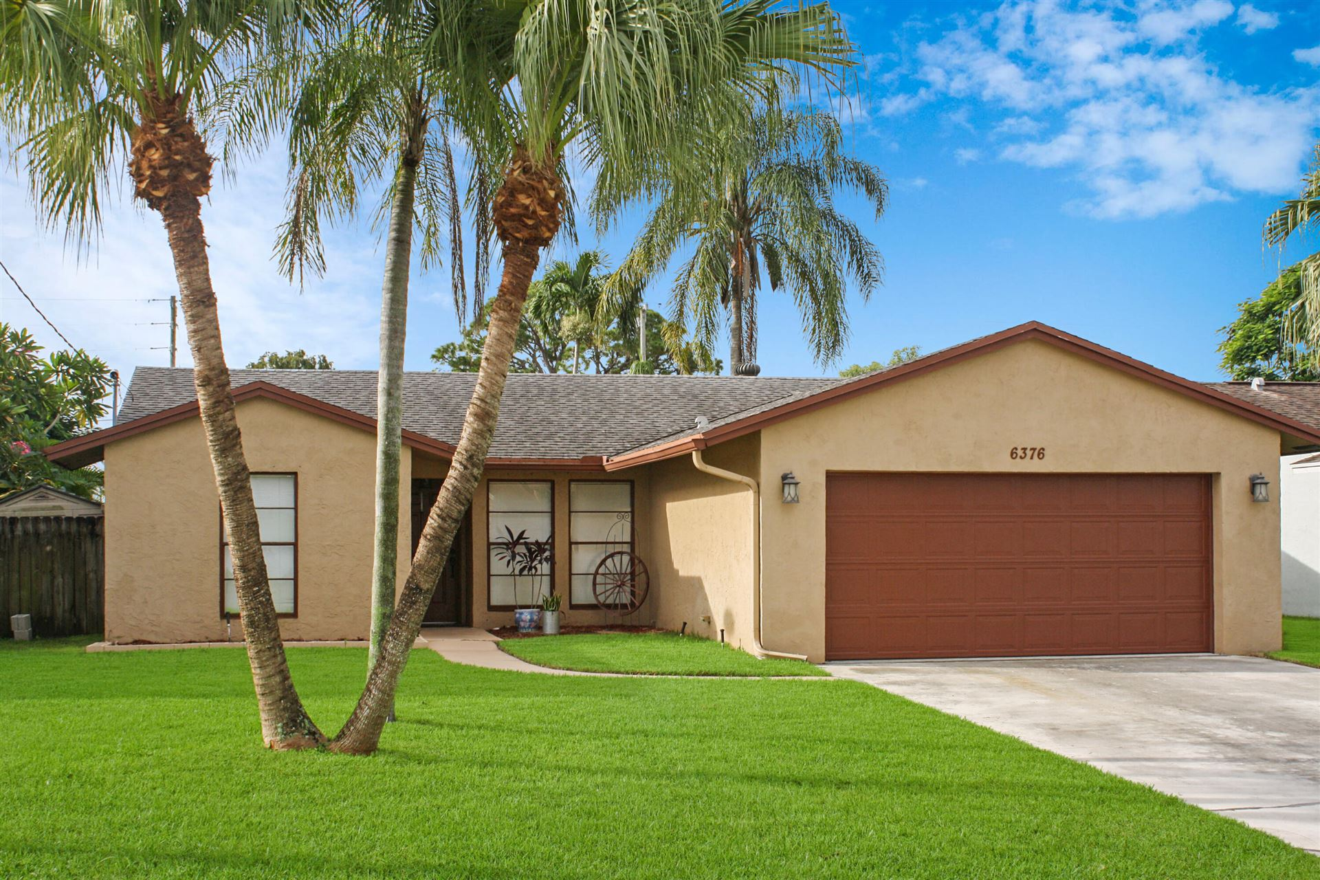 Photo of 6376 Foster Street, Jupiter, FL 33458 (MLS # RX-10747181)