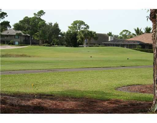 Photo of 6 Berwick Road, Palm Beach Gardens, FL 33418 (MLS # RX-10627183)