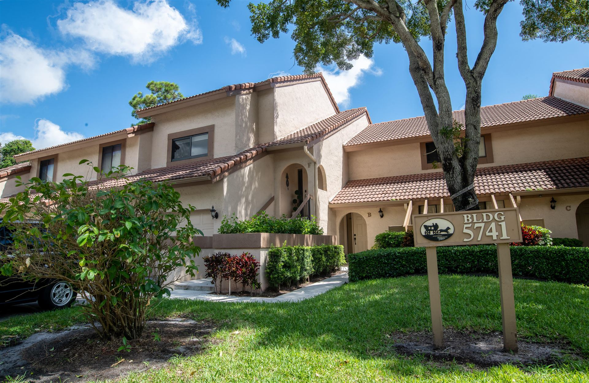 5741 Coach House Circle #F, Boca Raton, FL 33486 - #: RX-10646183