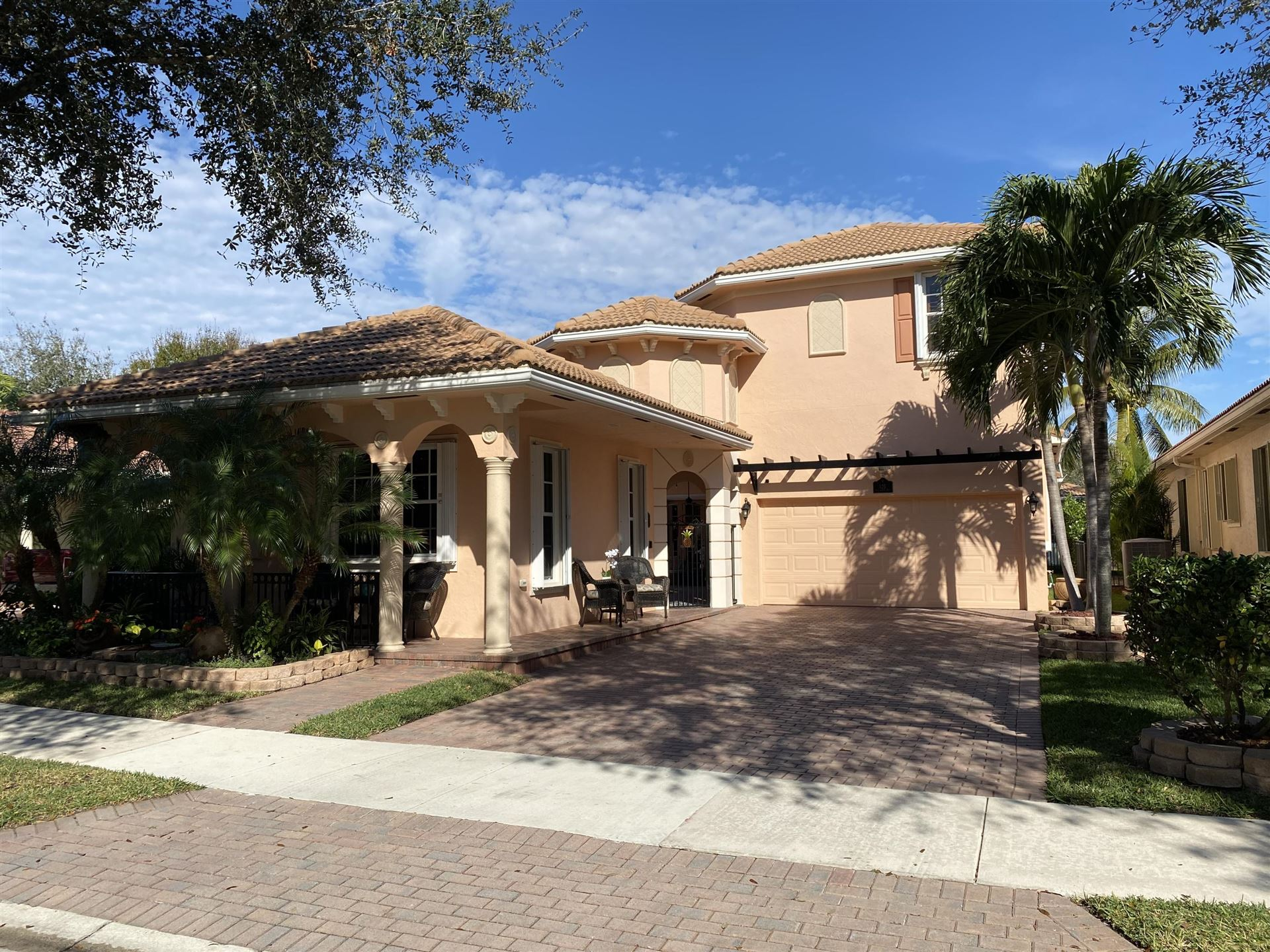 Photo of 125 Via Santa Cruz, Jupiter, FL 33458 (MLS # RX-10684184)