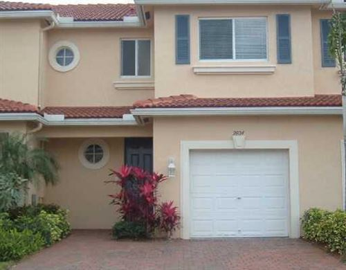 Photo of 2806 S Evergreen Circle, Boynton Beach, FL 33426 (MLS # RX-10585187)