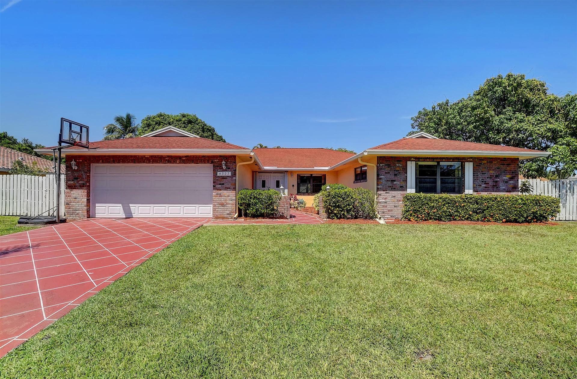 Photo of 4327 Juniper Terrace, Boynton Beach, FL 33436 (MLS # RX-10697187)