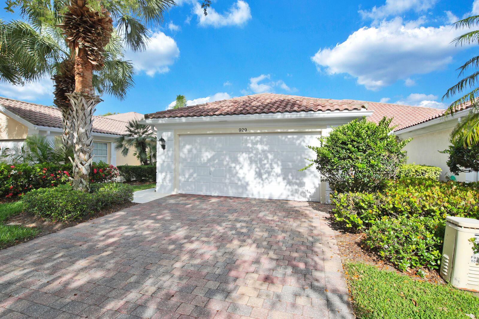 Photo of 929 Magdalena Road, Palm Beach Gardens, FL 33410 (MLS # RX-10716192)